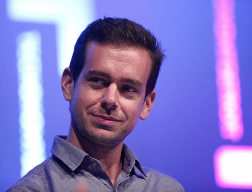 The Most Important Difference Between the DuPont and Twitter Interim CEO Roles